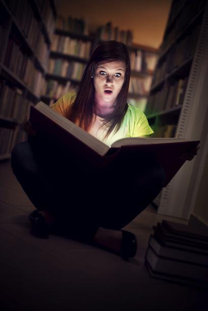 Cargar con pesados libros. Apuesto a que ya ni recuerdas la últim...