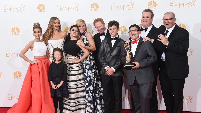 El cast de Modern Family presume un premio más.