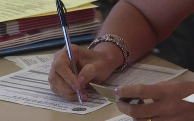Organizaciones de ayuda a inmigrantes recomiendan a interesados renovar...