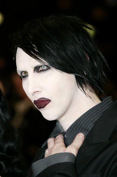 Sin duda alguna, Marilyn Manson no pasa desapercibido en ninguna noche d...