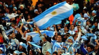 Hinchas argentinos en la cancha.
