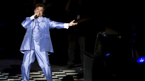 En esta foto del 25 de septiembre del 2009, el cantante y compositor mex...