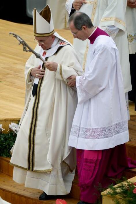 Con ocasión este viernes de la festividad del patrón de Italia, el Papa...