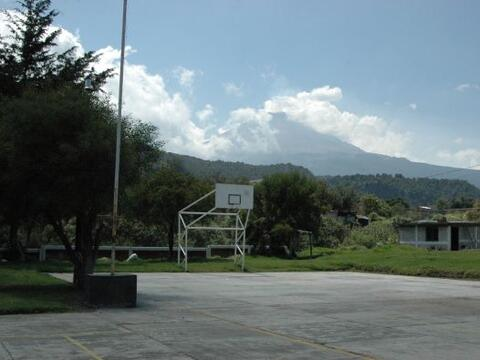 Santiago Xalitzintla, en el estado de Puebla, es la comunidad más cercan...