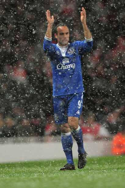 Landon Donovan salió de titular con el Everton para hacer su debu...