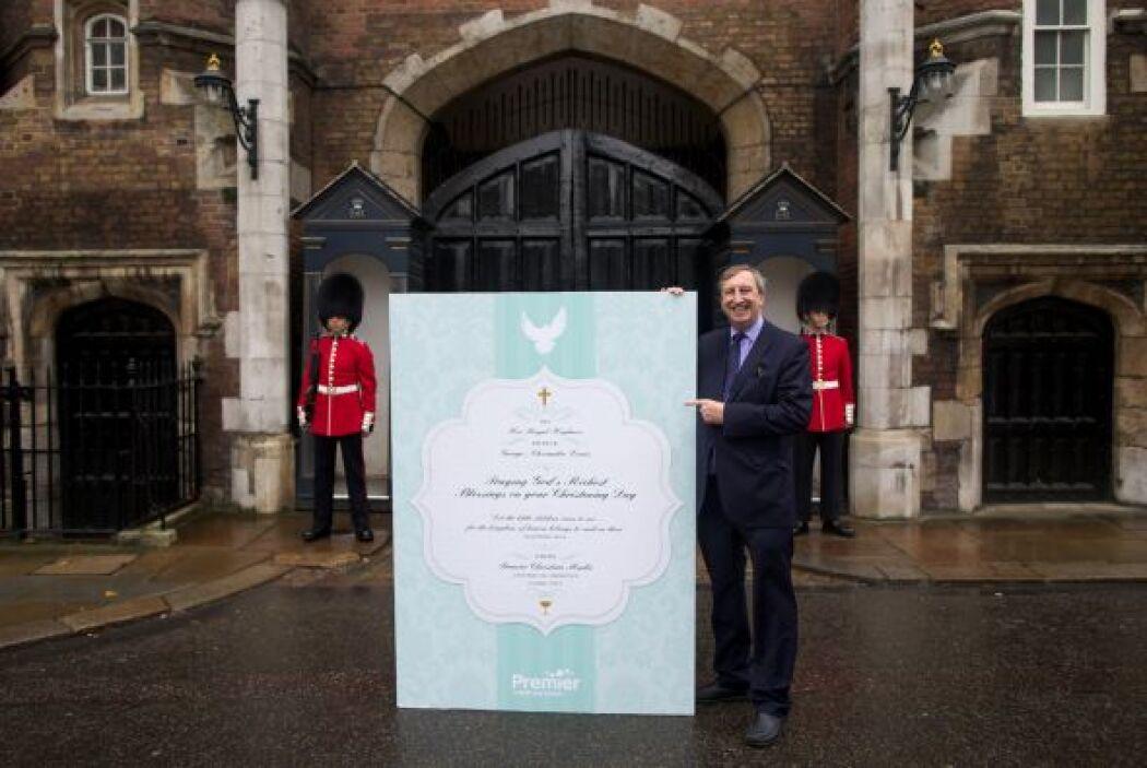 El príncipe George, el primer hijo de Kate Middleton y el príncipe Willi...