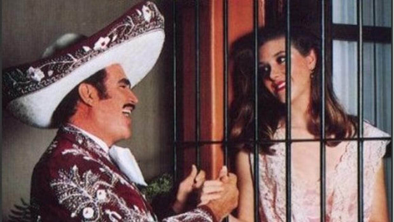 El Charro de Huentitán es uno de los galanes más románticos de la televi...