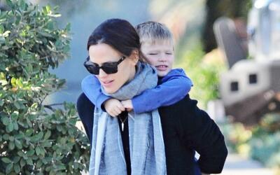 Jennifer Garner en su faceta de mamá cariñosa