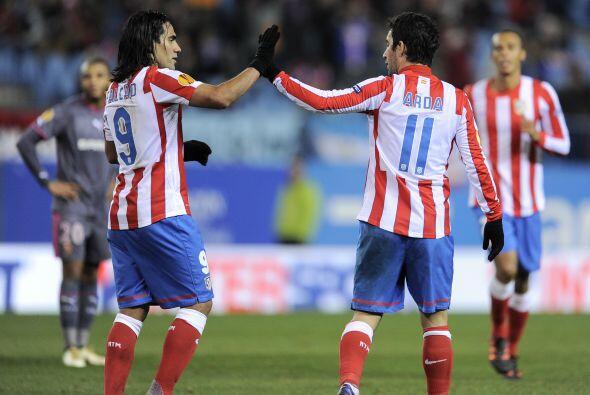 El jugador del Atlético de Madrid hizo dos tantos para que su clu...