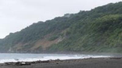 Un terremoto de 7.1 grados de magnitud sacudió el viernes las aguas en e...