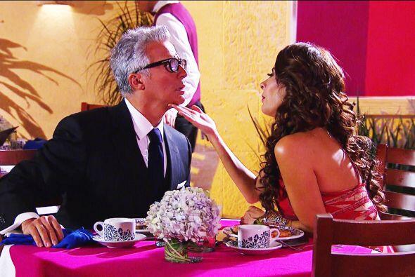 ¡Qué noche te espera Bruno! Manuela está encantada d...