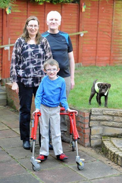 Catherine y Paul, los padres de Ben, no saben que le espera al pequeño e...