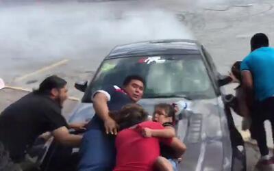 Un piloto pierde el control en una exhibición de autos en México y atrop...