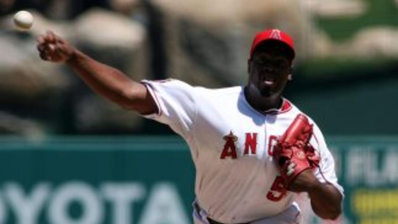 Jerome Williams tiró un gran juego ante los Orioles para acercar a los A...