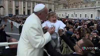 El pequeño Papa sorprende al sumo Pontífice