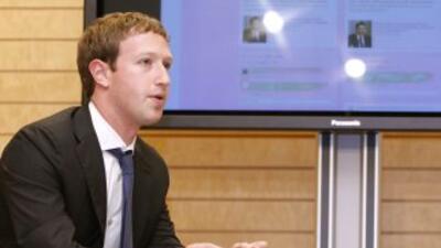 Mark Zuckerberg, presidente de Facebook, mejora la experiencia de sus us...