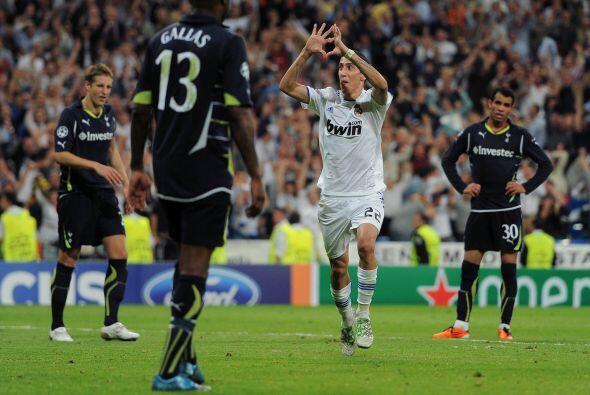 El argentino Angel Di María amplió la ventaja de los blancos.