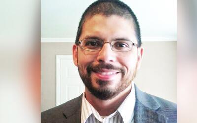 Art Sisneros, integrante del colegio electoral de Texas, renunció...