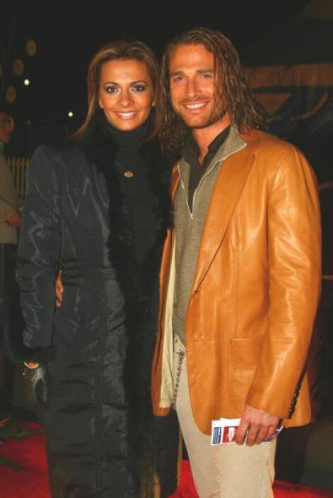 El 13 de abril del 2011 anunciaron su divorcio.