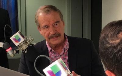 Vicente Fox durante la entrevista de radio en la emisora KTNQ 1020