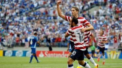 Goodson festejando luego de marcar el primer gol para los estadounidense...