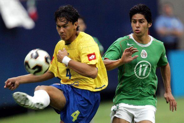 En aquel equipo figuraba el joven delantero Rafael Márquez Lugo, quien e...