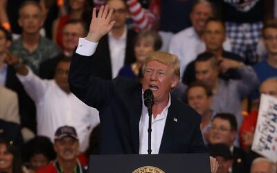 Esto fue lo que dijo el presidente Trump sobre Suecia en su mítin en Flo...
