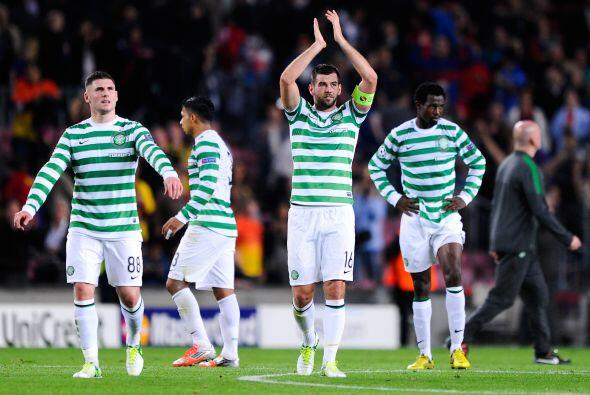 A pesar de que se fueron con la derrota, los jugadores dle Celtic fueron...