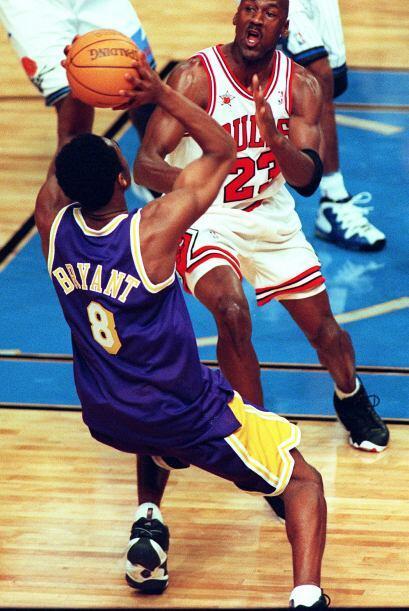 PROMEDIO DE PUNTOS POR PARTIDO -  Michael Jordan 30.1 - Kobe Bryant 25.5
