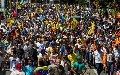 Miles de venezolanos volvieron a marchar para pedir la renuncia de Nicol...