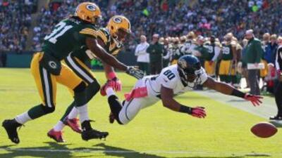 Además de bloquear una patada de despeje que los Packers convirtieron en...