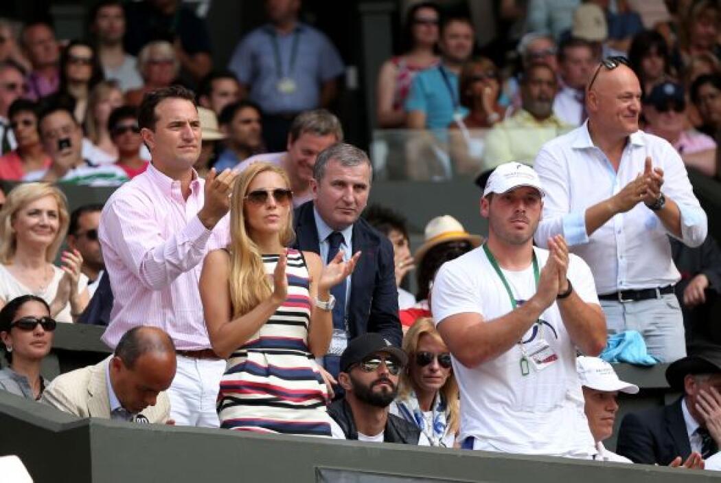 Tanto su equipo como su novia de Djokovic lo apoyaban desde las gradas.