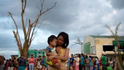 Este lunes se cumplen diez días del golpe de Haiyan y Filipinas comienza...