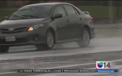 Tormenta causa accidentes y cierres en las carreteras del norte de Calif...