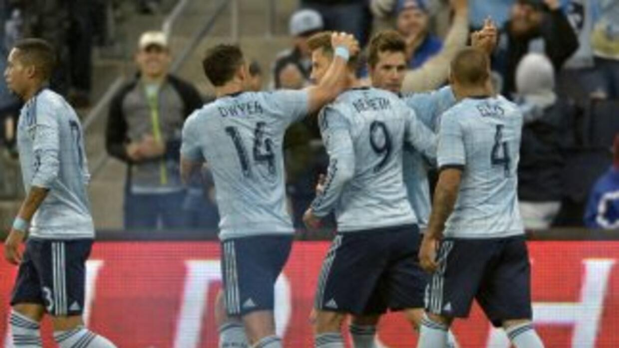 Sporting KC golea 4-2 a NE Revolution