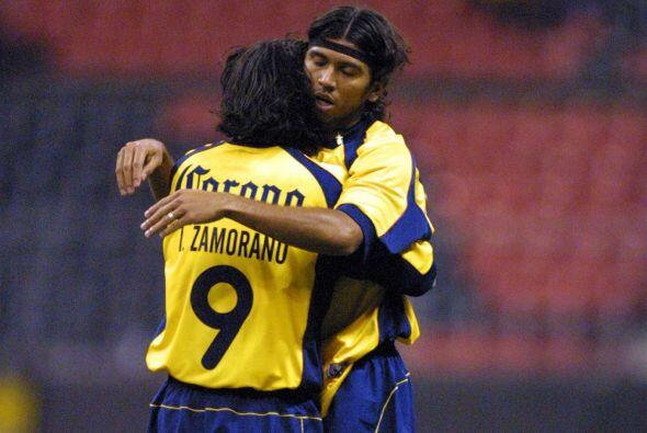 En el Verano del 2001 León fue el primer rival que enfrent&oacute...