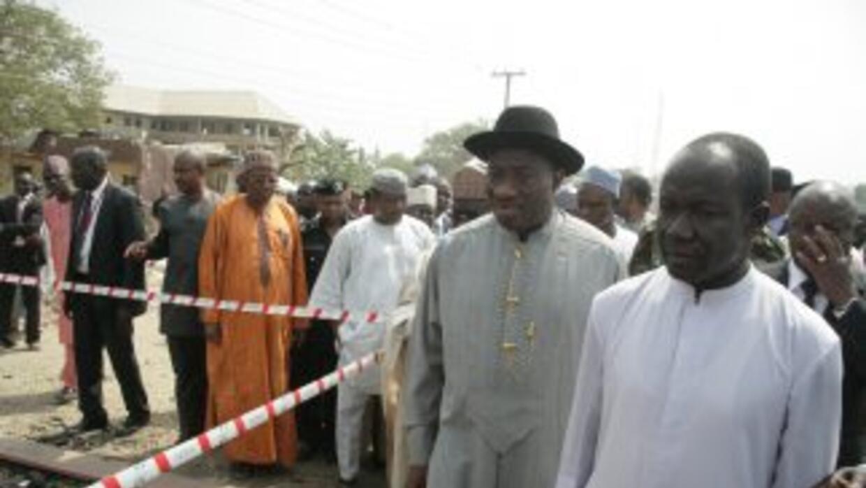 El presidente de Nigeria, Goodluck Jonathan, declaró el sábado el estado...
