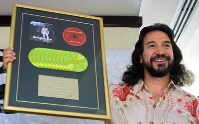 """Marco Antonio Solís """"El Buki""""."""