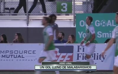 El futbolista mexicano Miguel Gonzales anotó el gol acrobático del año