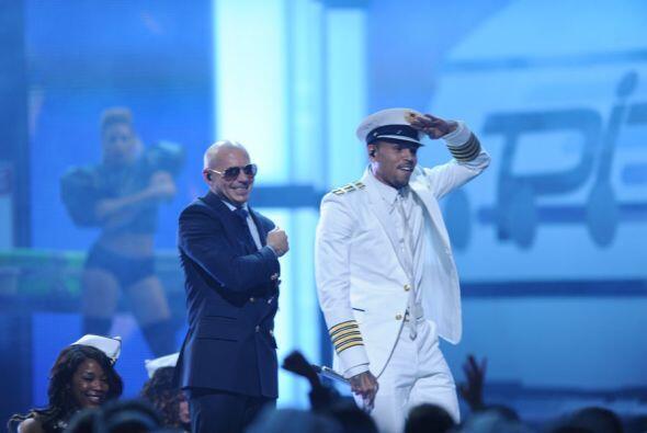 Y hasta se creyeron el papel de capitanes de avión.