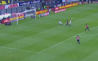 Hugo González salva al América del empate en un mano a mano con 'Gullit'...