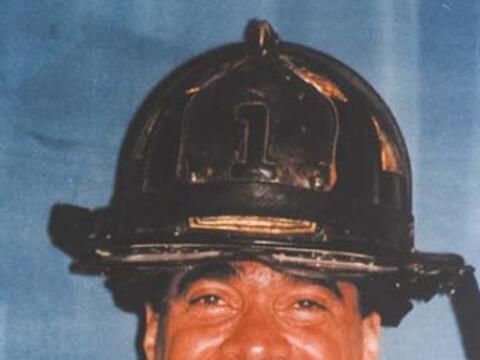 El teniente Dennis Mojica fue uno de los 347 bomberos que murió e...