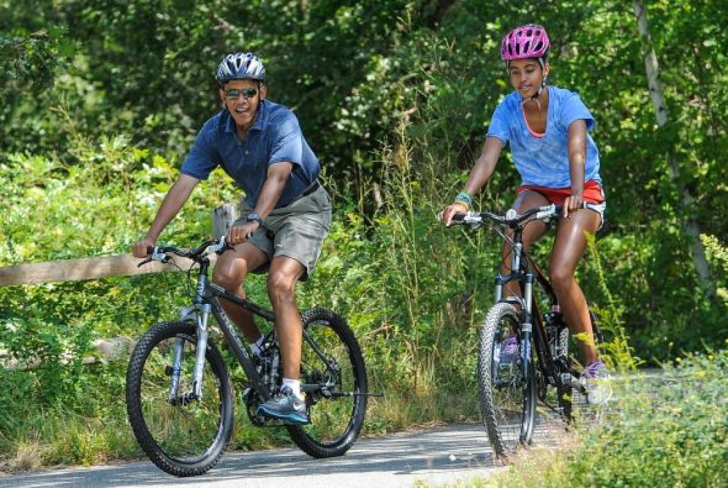 """Obama aseguró que """"lo pasó estupendo"""" en sus vacaciones de Martha's Vine..."""