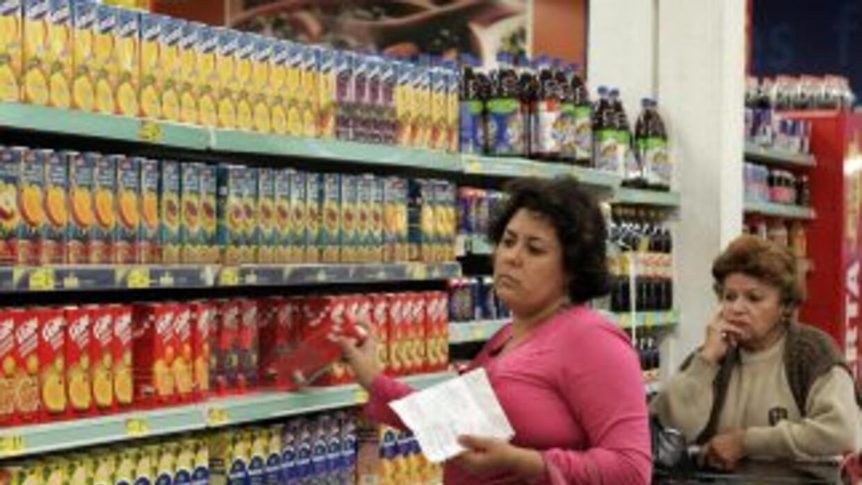 Por sus componentes, el PIB del sector de servicios creció un 3.6% entre...