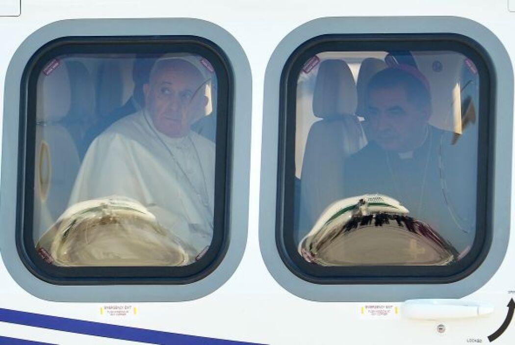 El avión en el que viaja el Pontífice, un Airbus A330, de la compañía it...