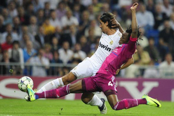 Con el resultado 1 a 0, Real Madrid manejó el balón y los...