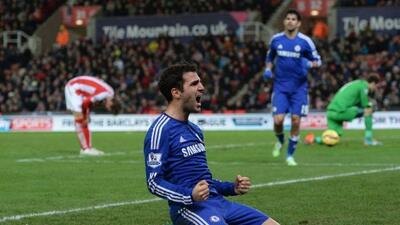 Los Blues mantuvieron el liderato en Inglaterra gracias a los goles de J...