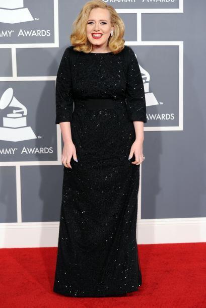 Adele fue considerada como una de las más elegantes de los Grammy...