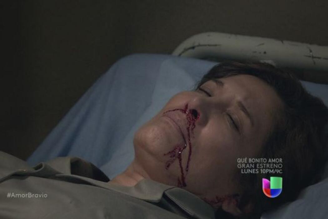 No imagina que su madre haya intentado matarse para salvarla.