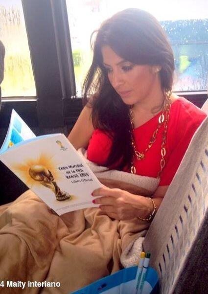 """""""""""Estudiando"""" en el bus. Nos vamos a #Orlando a celebrar #DA17aniversari..."""